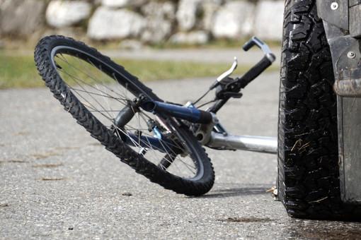 В Омске водитель маршрутки сбил велосипедиста