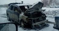 За ночь в Омске сгорели сразу две иномарки, припаркованные во дворах (фото)