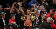 Боксер Владимир Кличко защитил титулы чемпиона мира в четырех версиях