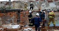 В Омске под завалами рухнувшего цеха продолжают искать человека