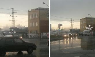 В Омске от удара молнии загорелся еще один дом
