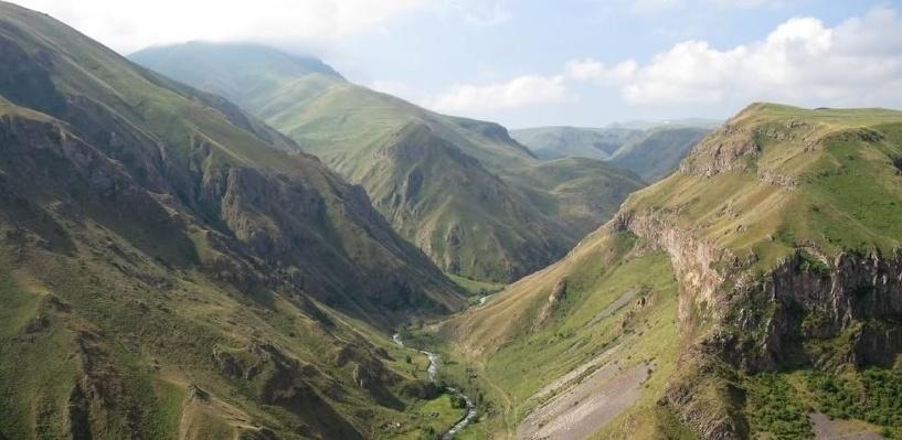 Армения заявила о взятии ситуации в зоне карабахского конфликта под контроль, несмотря на продолжающиеся бои