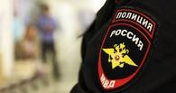 Омич похитил из чужих автомобилей датчик дождя и видеорегистратор