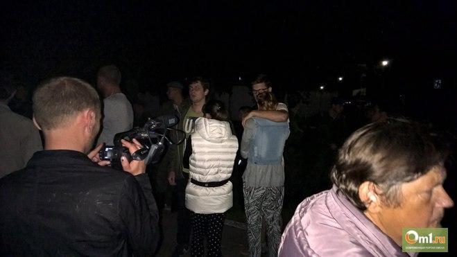 Девять погибших: из-под обломков рухнувшей казармы в Омске продолжают извлекать тела