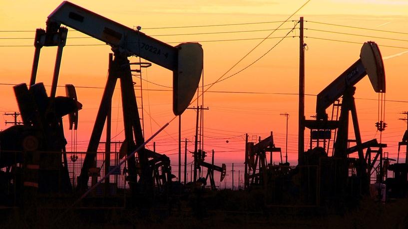 Минфин морально готовится к нефти по 20 долларов за баррель