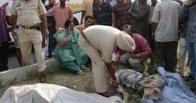 В Индии автобус с туристами врезался в бензовоз: 40 человек погибли