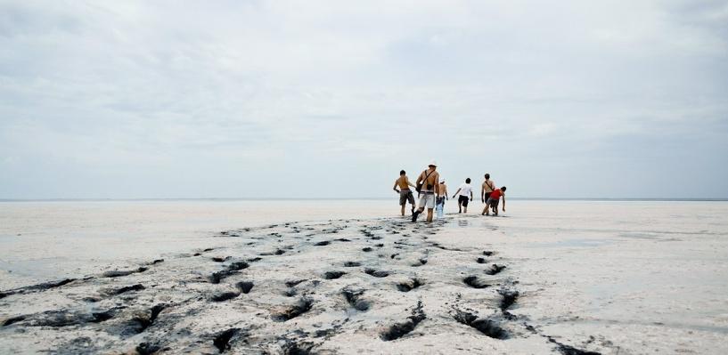 Омичам запретили вывозить лечебную грязь с озера Эбейты