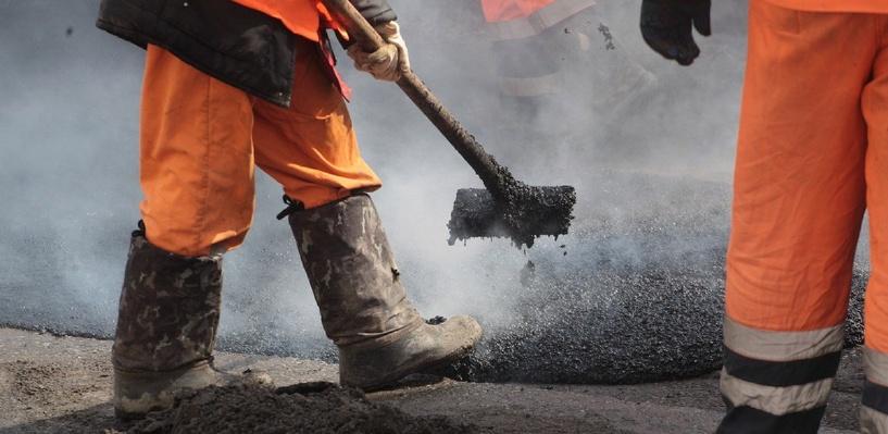 В Омской области распредели 333 млн рублей субсидий на районные дороги