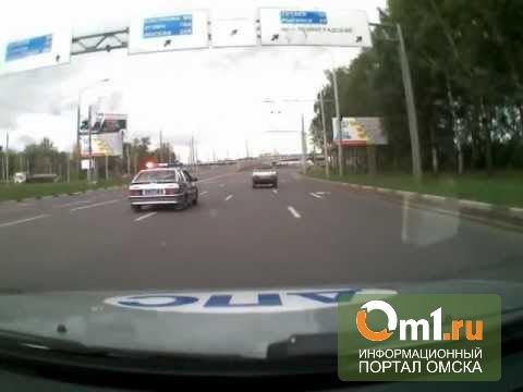 Омские сотрудники ГИБДД применили силу, чтоб задержать нарушителя