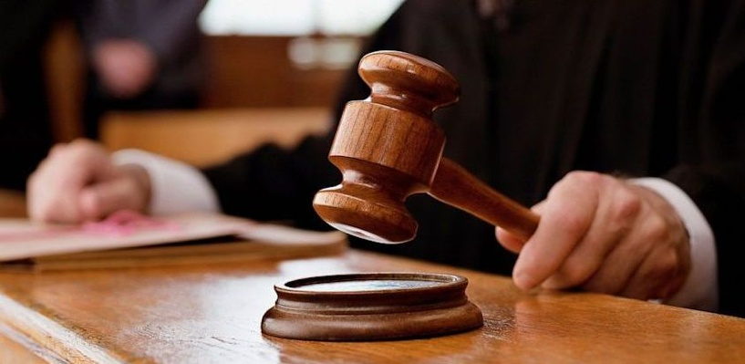Омские приставы поймали сутенера, сбежавшего из зала суда