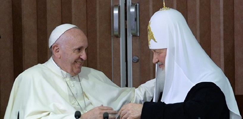 «Призываем мир покончить с терроризмом»: патриарх Кирилл и папа Франциск встретились в Гаване