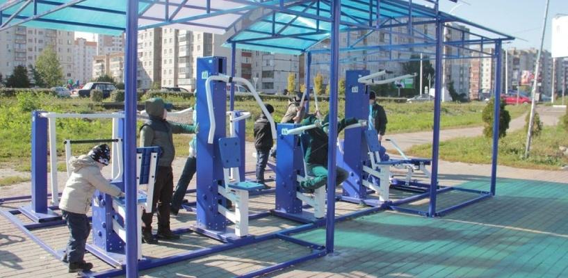 В Омске откроется новая площадка с уличными тренажерами
