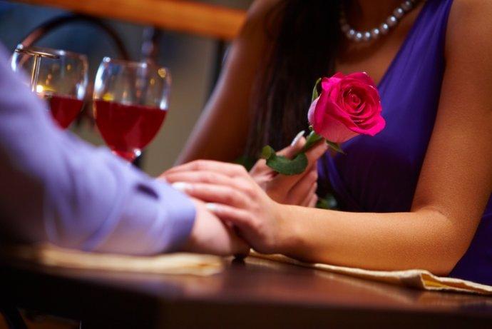 Первое свидание обошлось омичке в 60 тысяч рублей