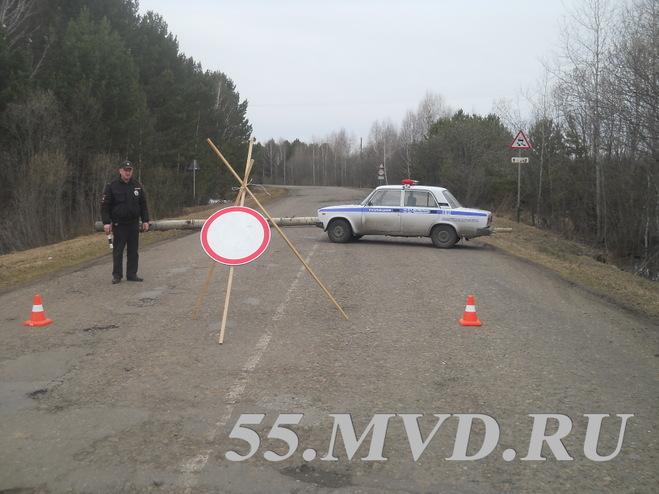 В Омской области из-за паводка начинают закрывать дороги