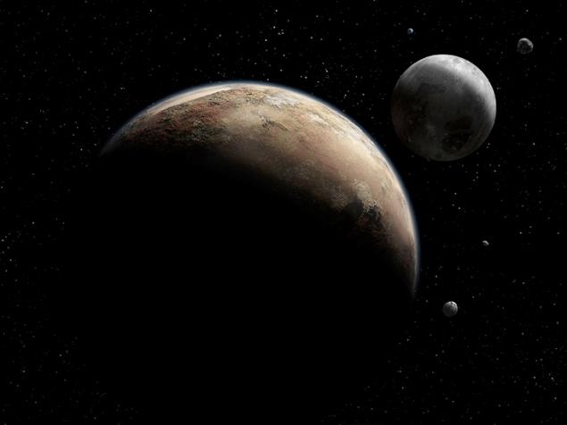 Зонд NASA передал на Землю первые фотографии Плутона