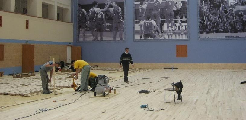 На реконструкцию спортзалов сельских школ Омская область получит 25 млн рублей