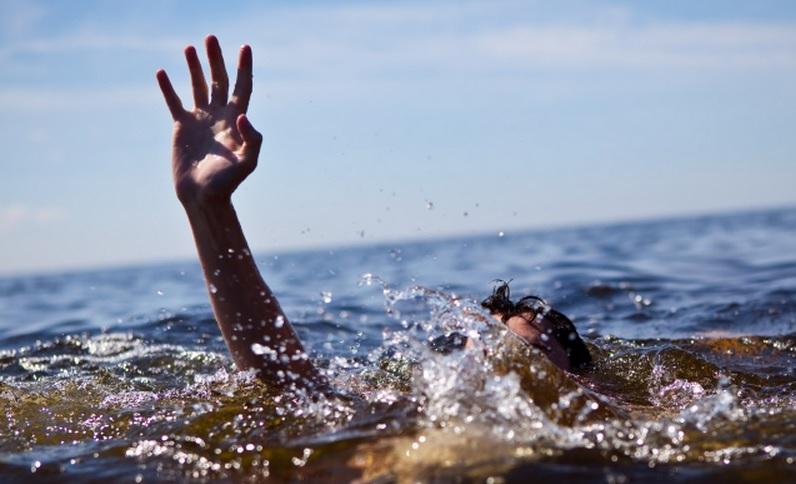 Омские спасатели вытащили из Иртыша пьяного 23-летнего «пловца»