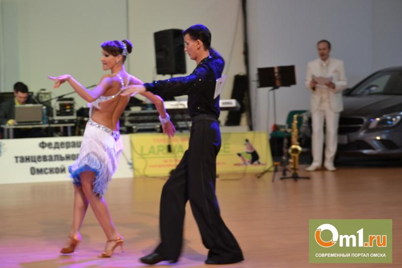 В Омске на кубке мэра на 500 «квадратах» паркета танцевали 500 пар