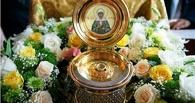 Омичи выстроились в очередь к мощам блаженной Матроны Московской
