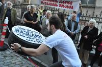 В Тбилиси из-за России произошла стычка с «вазелином»
