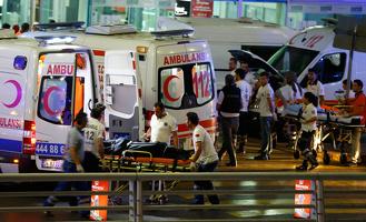 «Остались без крова и ночлега»: 15 российских детей застряли в Стамбуле из-за теракта