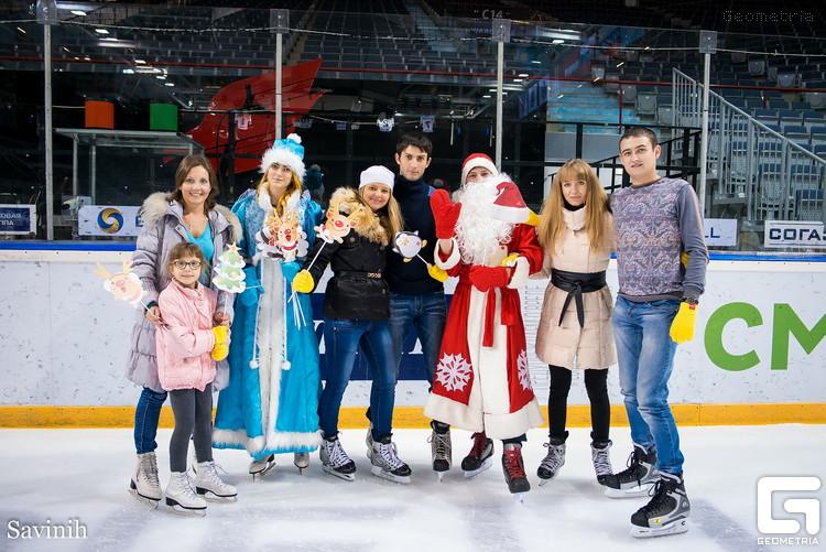 Омичи сделали массовое селфи на льду «Арены Омск»