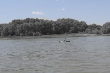 Робинзонада: в Омске спасли рыбака, пропавшего у Ленинградского моста