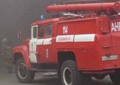 Омские спасатели 3,5 часа тушили пожар на первом Кирпичном заводе