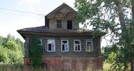 В Омской области при разборе старого дома обнаружили мумифицированные трупы младенцев