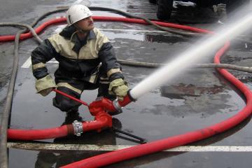 В Омске 22-летний омич пытался растопить печь при помощи бензина