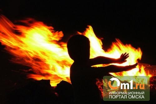 Детей, погибших на пожаре в Омске, будут хоронить за счет «Торгового города»