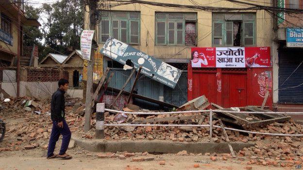 Более 400 человек погибли в результате мощного землетрясения в Непале