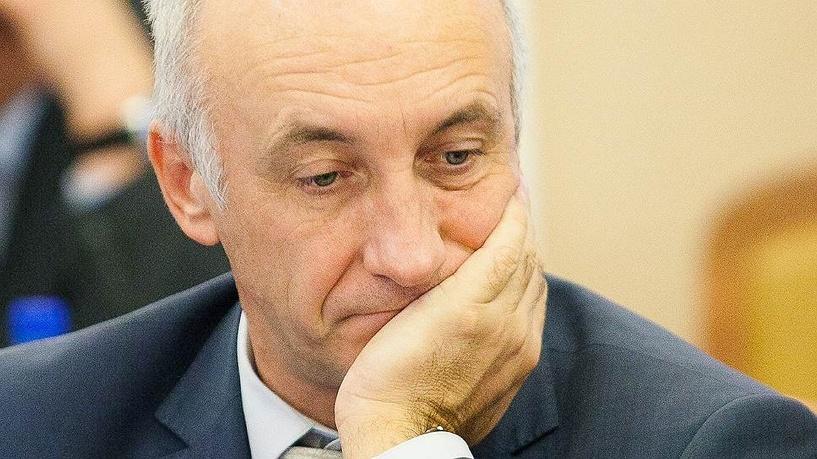 В Омске беглый министр Меренков успел продать свой Land Cruiser