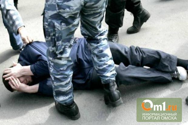 Экс-полицейским, которые избили мужчину в Омске, дали условный срок