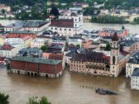 Проливные дожди парализовали жизнь немцев, поляков и чехов