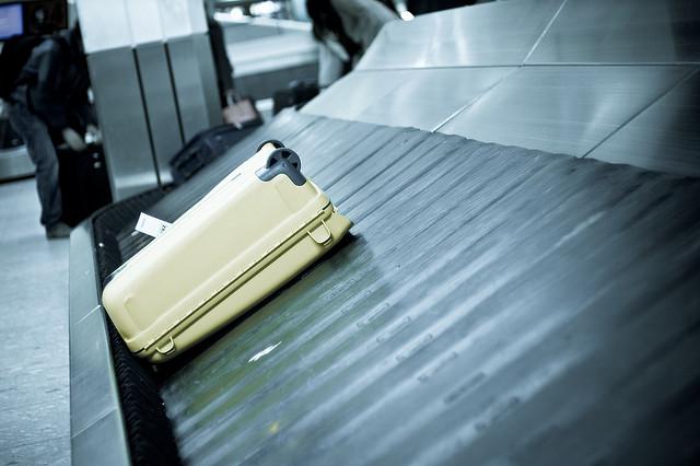 Омский аэропорт установил новый транспортер