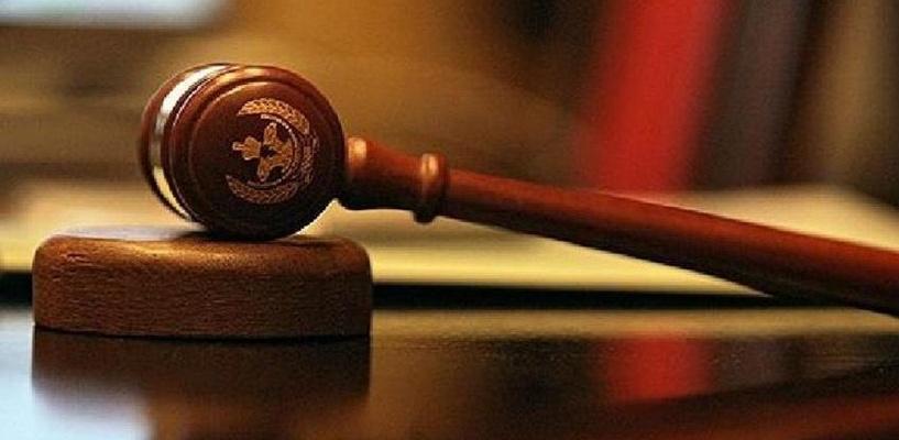В день покушения на судью во дворе его дома заметили серебристую иномарку