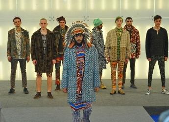 В Омске на фестивале моды показали «этнические эксперименты»