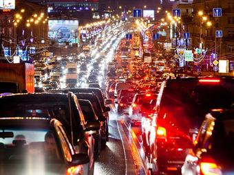 В Омске из-за снега зафиксированы пробки как в Москве