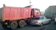 На отремонтированной улице Лукашевича в Омске уже произошла авария