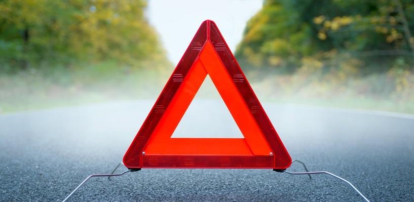 В Омске на Левобережье маршрутка столкнулась с Mazda: трое пострадали