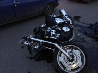 В Омске под колесами ЗИЛа погиб мотоциклист на Yamaha