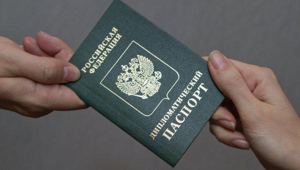 «Тренд на изоляцию»: у депутатов Госдумы отбирают дипломатические паспорта