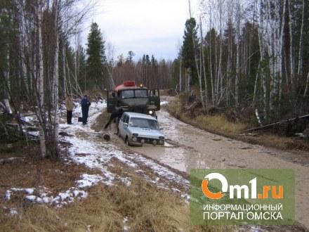 Из-за паводка в Омской области начинают закрывать грунтовые дороги