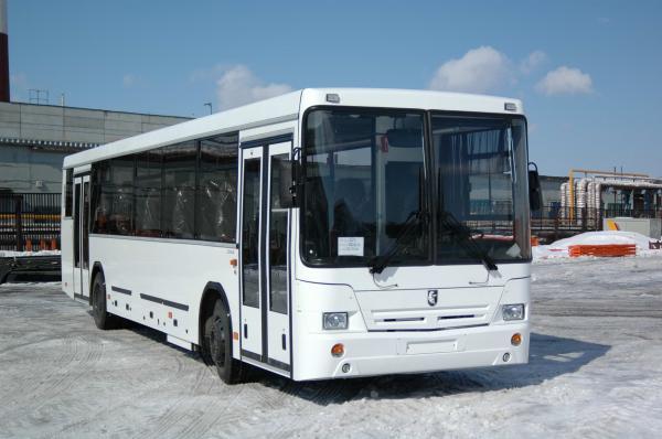 Автобус сбил пожилую омичку на остановке