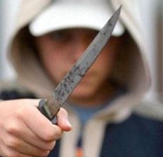 В Омской области школьник пытался убить подругу своей матери