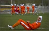 Лидеры женской сборной Ирана по футболу оказались мужчинами