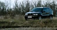 В Омской области хулиган поджег BMW X6