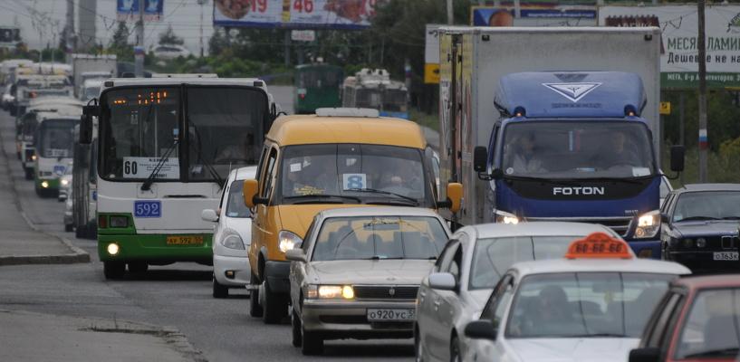 Из-за ДТП на проспекте Мира омичи застряли в семибалльных пробках