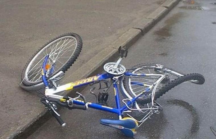 В Омске пожилая автоледи сбила мальчика-велосипедиста на пешеходном переходе